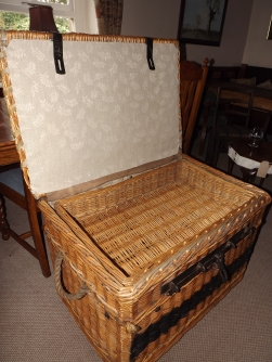 Inside the theatre basket!